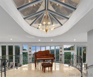 Photo 6: LA JOLLA House for sale : 6 bedrooms : 6106 Avenida Chamnez