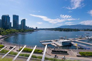 Photo 17: 5305 1151 W GEORGIA Street in Vancouver: Coal Harbour Condo for sale (Vancouver West)  : MLS®# R2445030