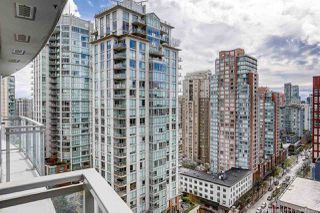 "Photo 3: 1708 833 SEYMOUR Street in Vancouver: Downtown VW Condo for sale in ""Capitol Residences"" (Vancouver West)  : MLS®# R2445465"