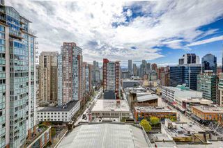 "Photo 2: 1708 833 SEYMOUR Street in Vancouver: Downtown VW Condo for sale in ""Capitol Residences"" (Vancouver West)  : MLS®# R2445465"