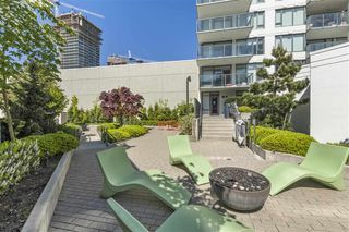 "Photo 19: 2601 602 COMO LAKE Avenue in Coquitlam: Coquitlam West Condo for sale in ""Uptown1"" : MLS®# R2454706"