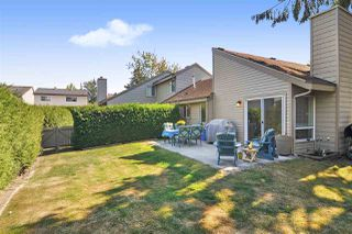 """Photo 15: 6022 E GREENSIDE Drive in Surrey: Cloverdale BC Townhouse for sale in """"Greenside Estates"""" (Cloverdale)  : MLS®# R2496333"""