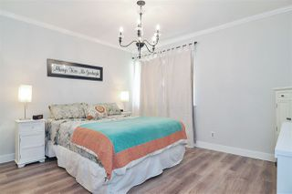 """Photo 9: 6022 E GREENSIDE Drive in Surrey: Cloverdale BC Townhouse for sale in """"Greenside Estates"""" (Cloverdale)  : MLS®# R2496333"""
