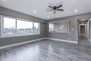 Photo 6: 2133 LONSDALE Crescent in Abbotsford: Abbotsford West House for sale : MLS®# R2516695