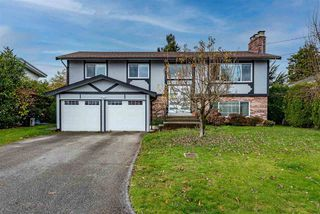 Photo 1: 2133 LONSDALE Crescent in Abbotsford: Abbotsford West House for sale : MLS®# R2516695