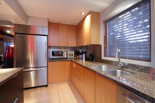 "Photo 10: 945 15TH Street in West Vancouver: Ambleside House for sale in ""AMBLESIDE"" : MLS®# V802126"