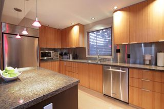 "Photo 11: 945 15TH Street in West Vancouver: Ambleside House for sale in ""AMBLESIDE"" : MLS®# V802126"