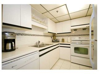 "Photo 3: 206 1433 E 1ST Avenue in Vancouver: Grandview VE Condo for sale in ""GRANDVIEW GARDENS"" (Vancouver East)  : MLS®# V825890"