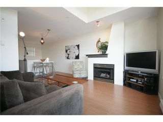 """Photo 3: 27 2375 W BROADWAY in Vancouver: Kitsilano Townhouse for sale in """"TALIESIN"""" (Vancouver West)  : MLS®# V829496"""