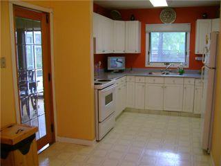 Photo 5: 110 Garrioch Avenue in WINNIPEG: St James Residential for sale (West Winnipeg)  : MLS®# 1010728