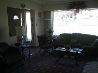 "Photo 2: 4852 RIDGELAWN Drive in Burnaby: Brentwood Park House for sale in ""BRENTWOOD PARK"" (Burnaby North)  : MLS®# V854389"