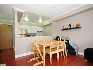 "Photo 2: 307 1060 E BROADWAY in Vancouver: Mount Pleasant VE Condo for sale in ""MARINER MEWS"" (Vancouver East)  : MLS®# V856791"