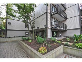 "Photo 9: 307 1060 E BROADWAY in Vancouver: Mount Pleasant VE Condo for sale in ""MARINER MEWS"" (Vancouver East)  : MLS®# V856791"