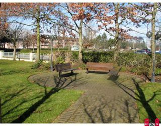 "Photo 2: 1706 15030 101ST Avenue in Surrey: Guildford Condo for sale in ""Guildford Marquis"" (North Surrey)  : MLS®# F2821341"