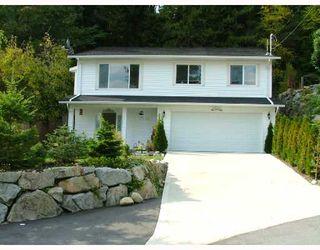 Photo 1: 5711 SALMON Drive in Sechelt: Sechelt District House for sale (Sunshine Coast)  : MLS®# V737466