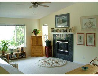 Photo 2: 5711 SALMON Drive in Sechelt: Sechelt District House for sale (Sunshine Coast)  : MLS®# V737466