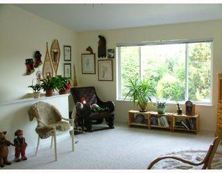 Photo 3: 5711 SALMON Drive in Sechelt: Sechelt District House for sale (Sunshine Coast)  : MLS®# V737466