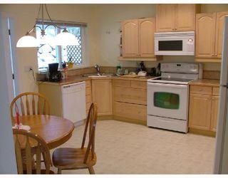 Photo 4: 5711 SALMON Drive in Sechelt: Sechelt District House for sale (Sunshine Coast)  : MLS®# V737466