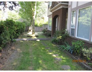 Photo 8: 12 6700 WILLIAMS Road in Richmond: Woodwards Townhouse for sale : MLS®# V771672