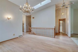Photo 6: 52 WOODMEADOW Close SW in Calgary: Woodlands Semi Detached for sale : MLS®# C4259772