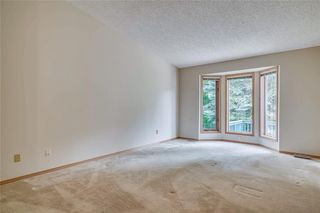 Photo 13: 52 WOODMEADOW Close SW in Calgary: Woodlands Semi Detached for sale : MLS®# C4259772