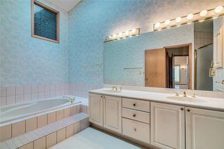 Photo 15: 52 WOODMEADOW Close SW in Calgary: Woodlands Semi Detached for sale : MLS®# C4259772