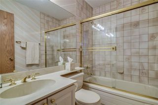 Photo 12: 52 WOODMEADOW Close SW in Calgary: Woodlands Semi Detached for sale : MLS®# C4259772
