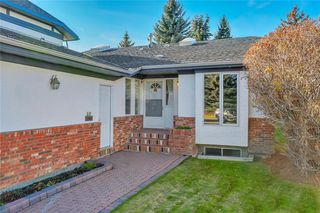 Photo 21: 52 WOODMEADOW Close SW in Calgary: Woodlands Semi Detached for sale : MLS®# C4259772