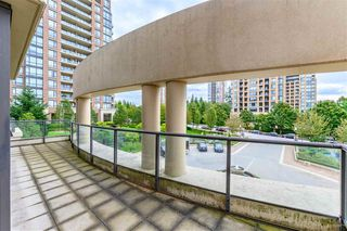 Photo 12: 302 6823 STATION HILL Drive in Burnaby: South Slope Condo for sale (Burnaby South)  : MLS®# R2405902