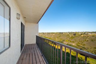 Photo 2: CLAIREMONT Condo for sale : 2 bedrooms : 3089 Cowley Way #32 in San Diego