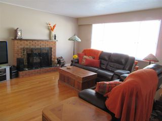 Photo 2: 522 RADCLIFFE Drive: Quinson House for sale (PG City West (Zone 71))  : MLS®# R2433646