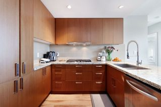 Photo 4: 2507 1155 THE HIGH Street in Coquitlam: North Coquitlam Condo for sale : MLS®# R2436854