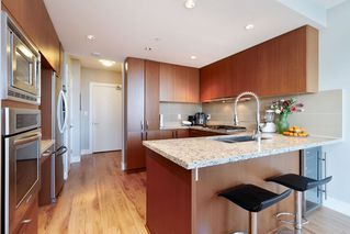 Photo 5: 2507 1155 THE HIGH Street in Coquitlam: North Coquitlam Condo for sale : MLS®# R2436854