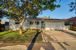 Photo 1: LINDA VISTA House for sale : 4 bedrooms : 3475 Ashford Street in San Diego