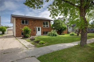 Photo 1: 507 Greenacre Boulevard in Winnipeg: Residential for sale (5G)  : MLS®# 202014363