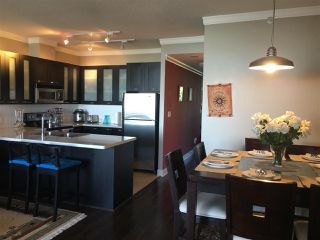 """Photo 3: 700 9300 UNIVERSITY Crescent in Burnaby: Simon Fraser Univer. Condo for sale in """"ONE UNIVERSITY"""" (Burnaby North)  : MLS®# R2479456"""