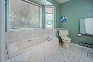 Photo 19: 6825 NICHOLSON Road in Delta: Sunshine Hills Woods Townhouse for sale (N. Delta)  : MLS®# R2480008