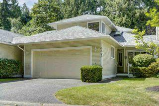 Photo 1: 6825 NICHOLSON Road in Delta: Sunshine Hills Woods Townhouse for sale (N. Delta)  : MLS®# R2480008