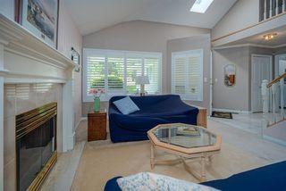 Photo 4: 6825 NICHOLSON Road in Delta: Sunshine Hills Woods Townhouse for sale (N. Delta)  : MLS®# R2480008