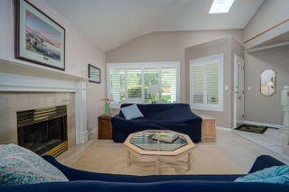 Photo 3: 6825 NICHOLSON Road in Delta: Sunshine Hills Woods Townhouse for sale (N. Delta)  : MLS®# R2480008