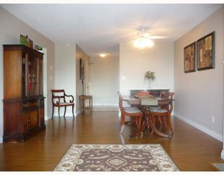 """Photo 2: 201 5899 WILSON Avenue in Burnaby: Central Park BS Condo for sale in """"PARAMOUNT TOWER TWO"""" (Burnaby South)  : MLS®# V785753"""