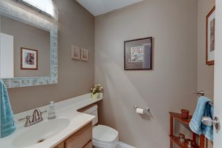 Photo 8: 128 Douglas Woods Terrace SE in Calgary: Douglasdale/Glen Detached for sale : MLS®# A1045408