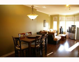 """Photo 3: 302 588 12TH Street in New_Westminster: Uptown NW Condo for sale in """"REGENCY"""" (New Westminster)  : MLS®# V787422"""