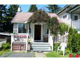 Photo 1: 923 LEE ST: House for sale (White Rock)  : MLS®# 2412100