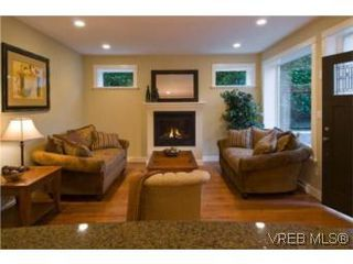Photo 3: 1 1290 Richardson St in VICTORIA: Vi Fairfield West Row/Townhouse for sale (Victoria)  : MLS®# 490828