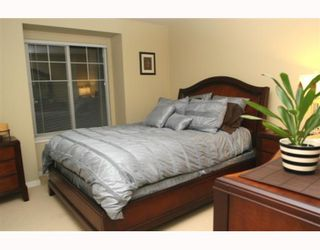 """Photo 7: 44 7511 NO 4 Road in Richmond: McLennan North Townhouse for sale in """"HARMONY"""" : MLS®# V759981"""