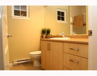 """Photo 9: 44 7511 NO 4 Road in Richmond: McLennan North Townhouse for sale in """"HARMONY"""" : MLS®# V759981"""
