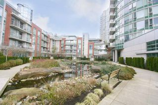 Photo 3: 802 58 KEEFER PLACE in Vancouver West: Home for sale : MLS®# R2142368
