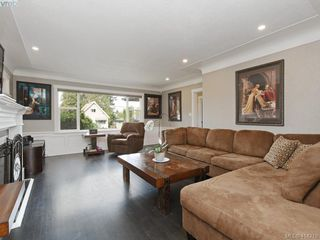 Photo 4: 4105 Glanford Ave in VICTORIA: SW Glanford Single Family Detached for sale (Saanich West)  : MLS®# 821592