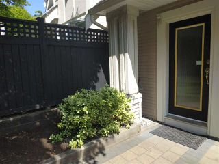 Photo 3: 7410 HAWTHORNE Terrace in Burnaby: Highgate Townhouse for sale (Burnaby South)  : MLS®# R2396786